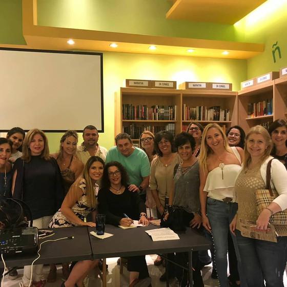 El día 26 de agosto la autora Ysabel Rada presentó en Miami su  libro La última noche en el Costa Co