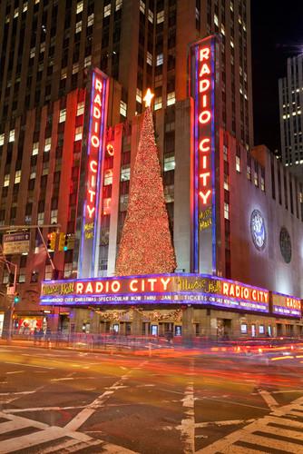 01-american-christmas-radio-city-music-h