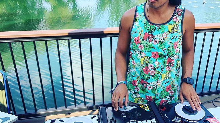 Live music with DJ Julz Gatz