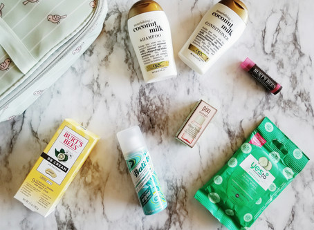 What's In My Guilt-Free Travel Beauty Bag