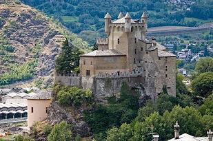 Aosta Castillo de Saint Pierre - Excursión tour por Aosta - Liudmila, guía turística oficial en Italia, excursiones - es.italtour.org