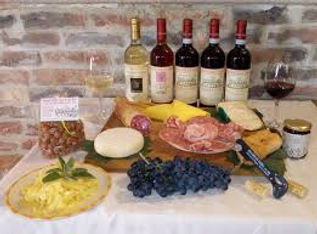 Wine and gastronomic tours in Piedmont, Italy - Liudmila guide in Turin, excursions - en.italtour.org
