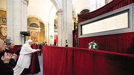 Turin's Holy Shroud - Liudmila official guide in Turin, excursions - en.italtour.org