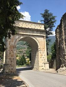 Arco d'Augusto - Экскурсия по Сузе - Гид в Турине Людмила Экскурсии - www.italtour.org