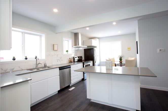 Kitchen 1028.jpg