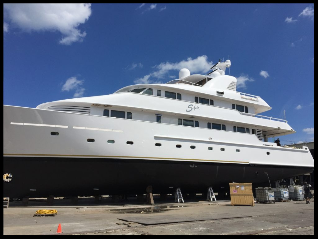 Super Yacht Wraps FL, Headlinings