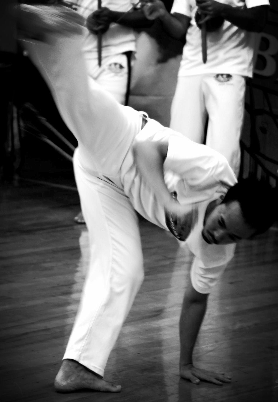 TAKASHI SHIMIZU capoeira04