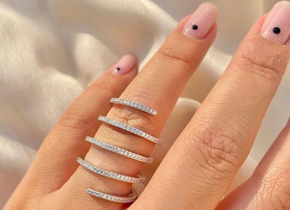 טבעת ספירלה משובצת