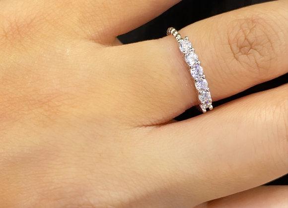 טבעת זרקונים עדי