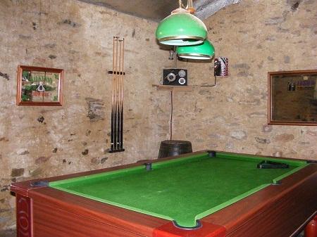chantonnay-farm-house-french-rentals-pool-room-290-1451882_2400_1800