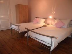 Twin bedroom Rose