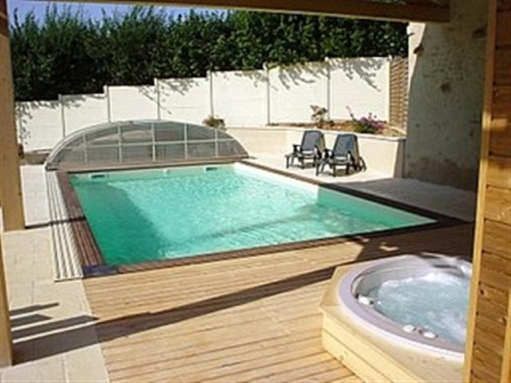 swimming pool and hot tub