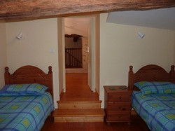 Cottage-twin-bedroom-resize