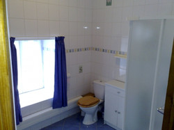 Gite 2 Bathroom