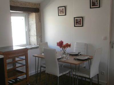 gite-dining-area