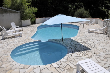 Private heated swimming pool Le Cedr