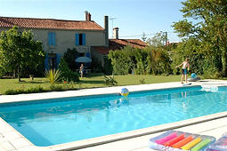 4 bedroom holiday gites with pool, Vendee, France