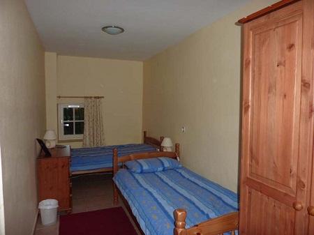 Gite-twin-bedroom-123_i