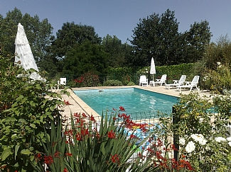 heated pool, gites near vouvant, vendee