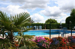 outdoor pool, self catering gites,