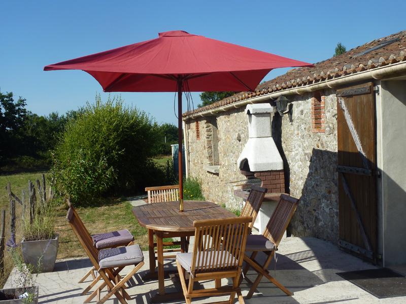 Al Fresco dining at La Pomerie