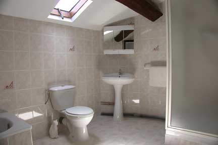 lcedre ensuite-bathroom