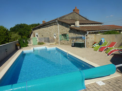 La Pomerie holiday home heated swimming pool