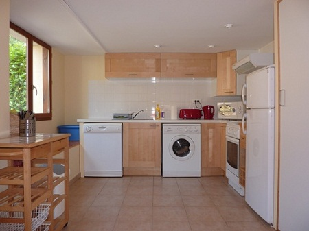 Cottage-kitchen-resize1