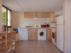 Cottage-kitchen-resize1
