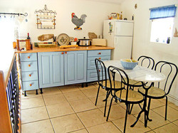 May cottage kitchen