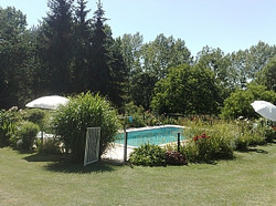 Gardens and swimming pool gites near vouvant