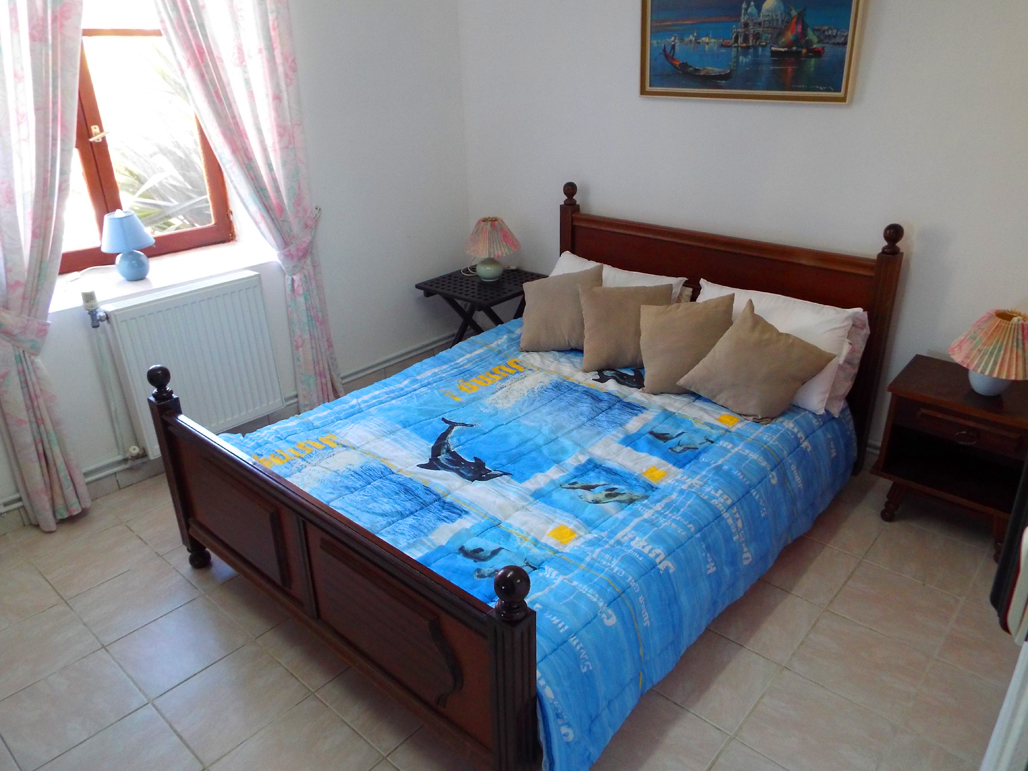 sapin-double-bedroom2
