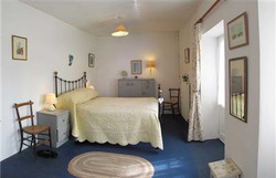 may-cottage-bedroom