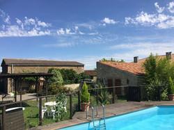 La Croix Laiud famhouse with pool