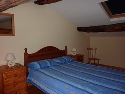 Cottage-double-bedroom-resize