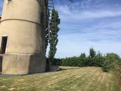 large garden of windmill gite rental