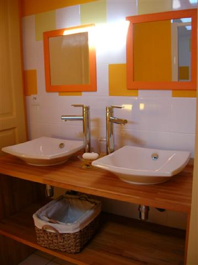 ensuite bathroom with double sink