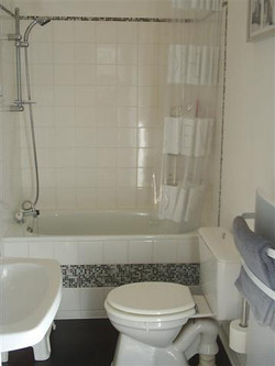 bathroom (Small)