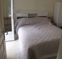 gite double bedroom