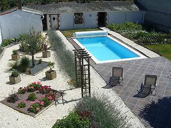 2 bedroom holiday gite rental, heated pool, Vix, Vendee