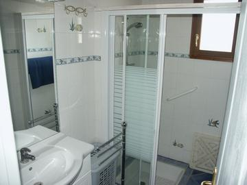 chemin d alouette 1 shower room