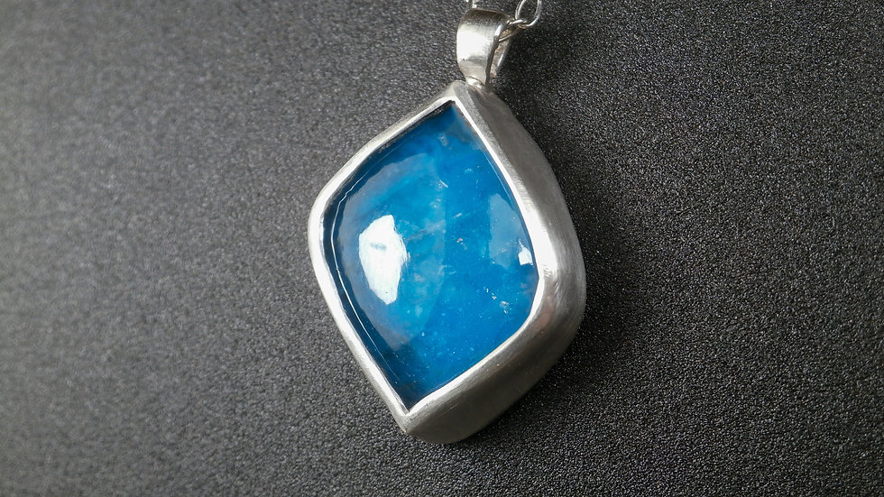 Blue Apatite (13.9ct) Necklace- Sterling Silver (925°)