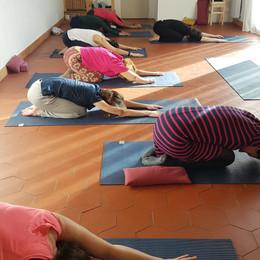 moon yoga P enfant.jpg