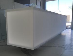 Projeto de Iluminação com Superfície Sólida Acrílica Durasein - Recepção do edifício de Alexandria