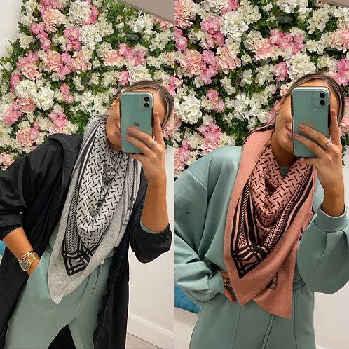 Kirsa scarf
