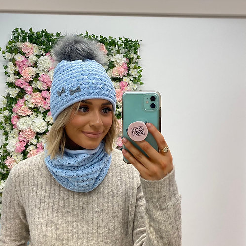 Perfect hat and snood set