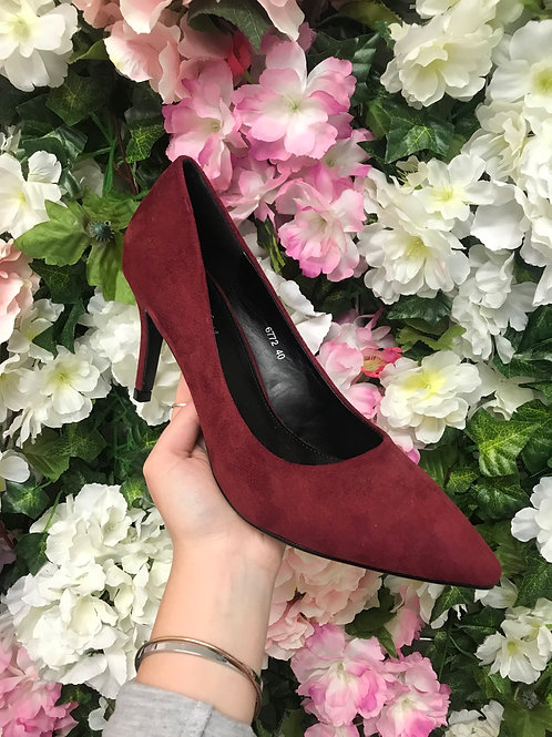 Suede Court Shoe in Navy / Wine