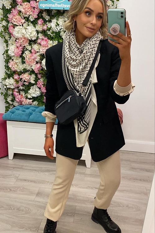 Sc-kirsa scarf