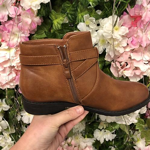 Zipped boot