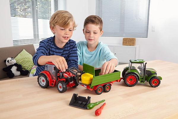 00815_#BPR#02_Traktor_mit_Lader_und_Figu